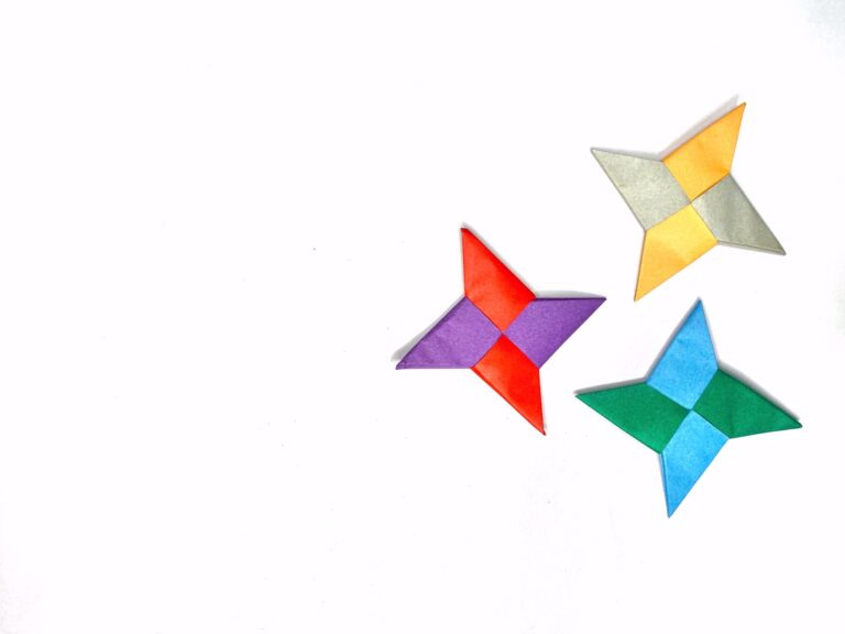 How to make an Origami Ninja Star easily (step-by-step photos)